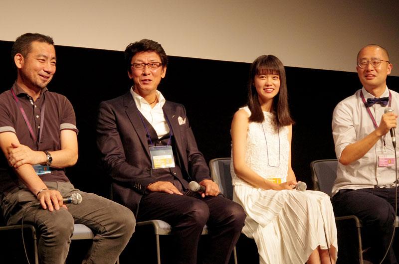 左から木滝和幸プロデューサー、高川裕也(出演)、志田彩良(出演)、澤田サンダー監督