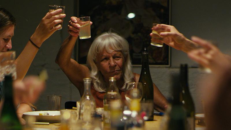 シュテルン、過激な90歳/Ms. Stern