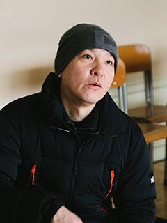 監督:長谷川朋史